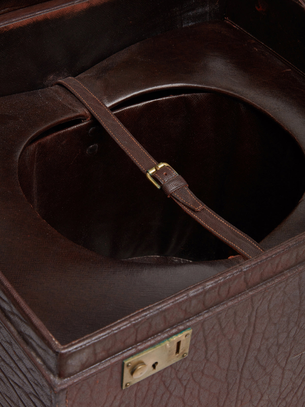 Mark Cross Archive Antique Leather Top Hat Case Chocolate Detail