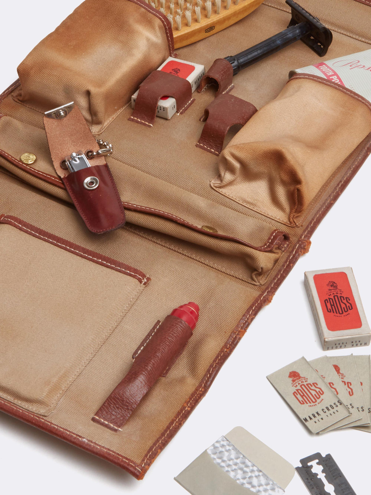 Mark Cross Archive Travel Shave Kit Cognac Interior