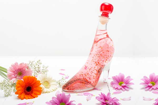 Pink Gin Gold with Edible 22 carat gold flakes in Lady Shoe 350ml