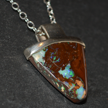 Load image into Gallery viewer, Triangular Beauty Opal Necklace