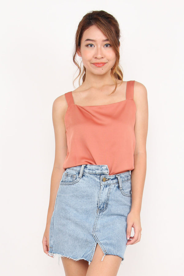Ysabell Basic Top (Rose Gold)