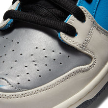 Load image into Gallery viewer, Nike SB x Instant Dunk Low Pro QS blue hero/black-pale ivory