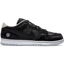 Load image into Gallery viewer, Nike SB x Medicom Dunk Low OG QS black/black-white