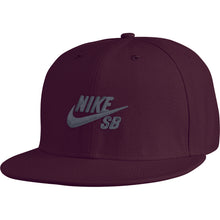 Load image into Gallery viewer, Nike SB Icon deep burgundy snapback cap