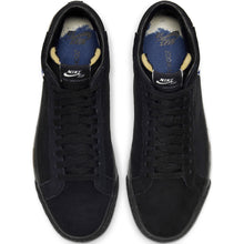 Load image into Gallery viewer, Nike SB x Isle Zoom Blazer Mid black/black-sail-blue void special box