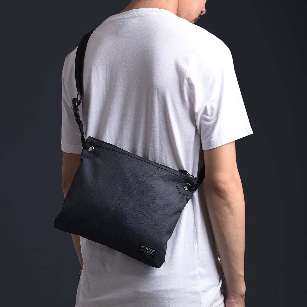 FAIRLEY NAVY POUCH SLING BAG