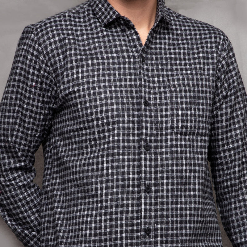 IDZIK BLACK WHITE LONGSLEEVE PLAID FLANNEL SHIRT