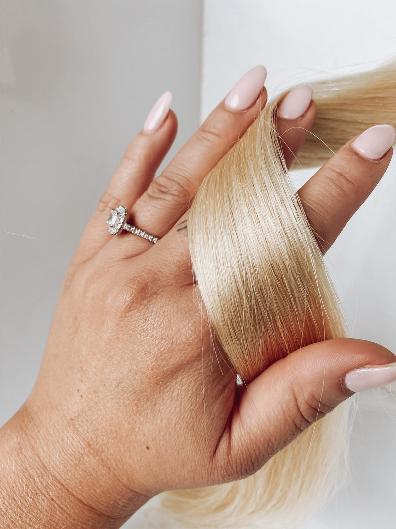 TAPE IN HAIR EXTENSIONS-60 CLEAN BLONDE-20 inch