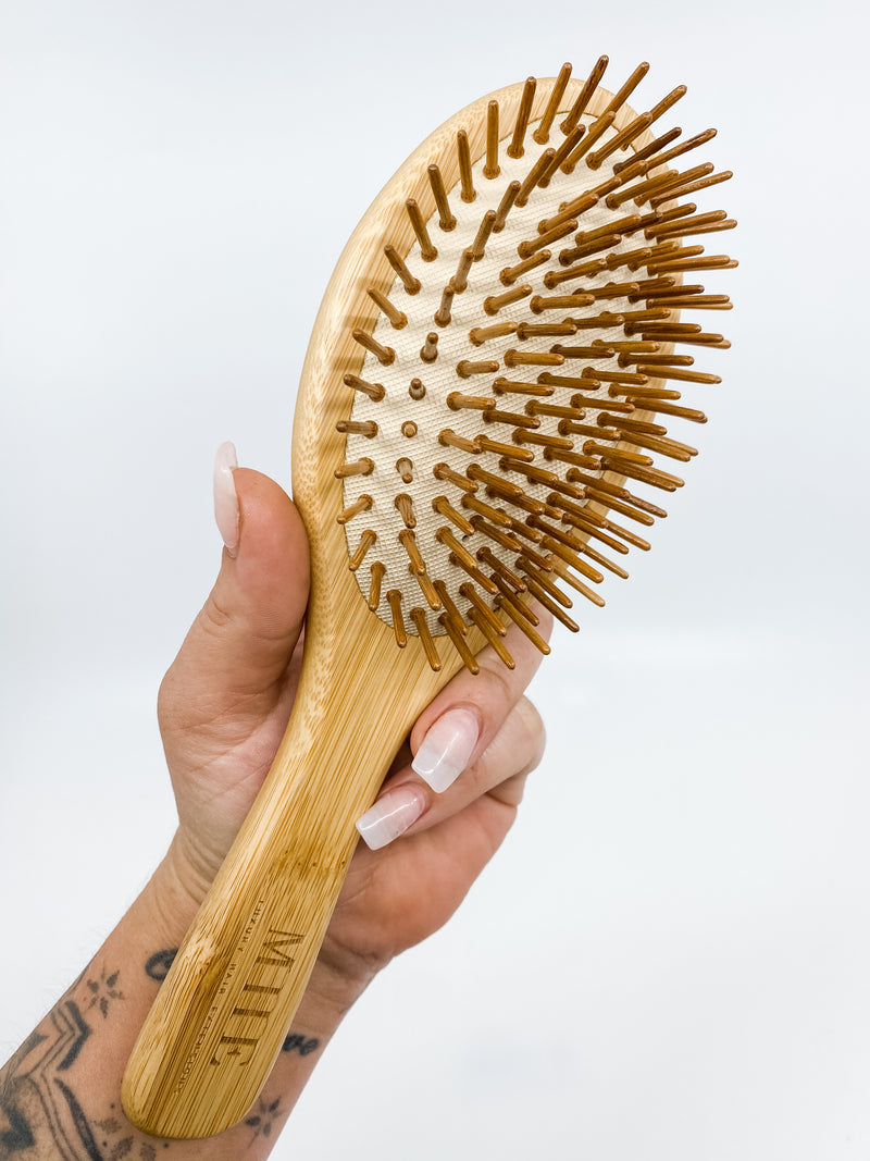 BAMBOO DETANGLING BRUSH