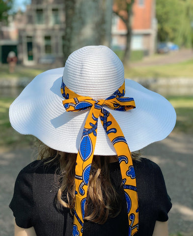 White summer hat with African print strap - Yellow blue leaves