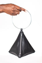Load image into Gallery viewer, PYRAMID BAG IN BLACK TEXTURED LEATHER WITH SILVER CIRCLE METAL HANDLE