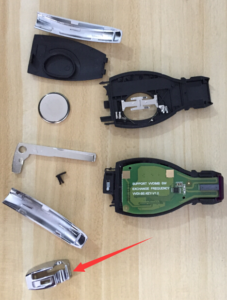 If you want to disassemble the case, please do it from the last step to the first step