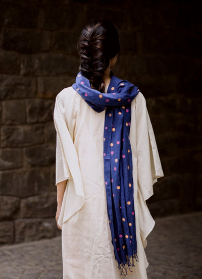 The dotted stole