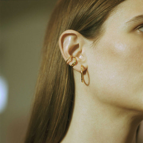 Maria Black Ripples Ear Cuff
