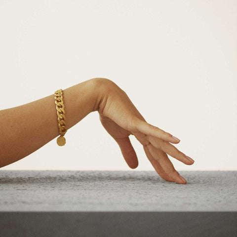 Nootka Jewelry Raw Bracelet Gold armbånd i gull