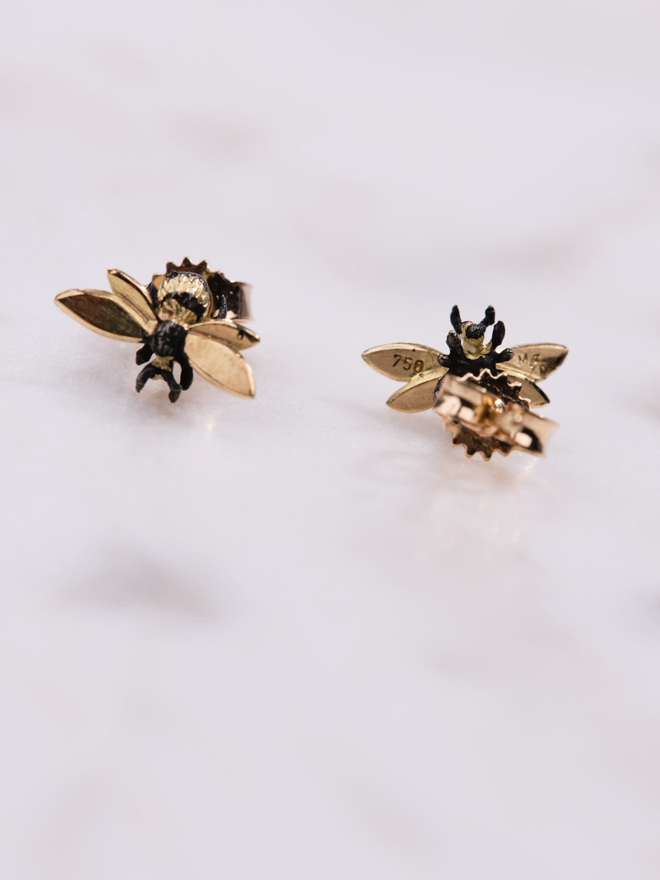 Danger Jewels The Bees Øredobber i 18 karat gull belagt med svart rhodium