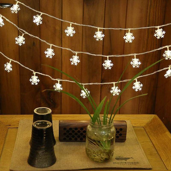 Strings Of Snowflakes - Warm White / 10 Metres (3 Ft)