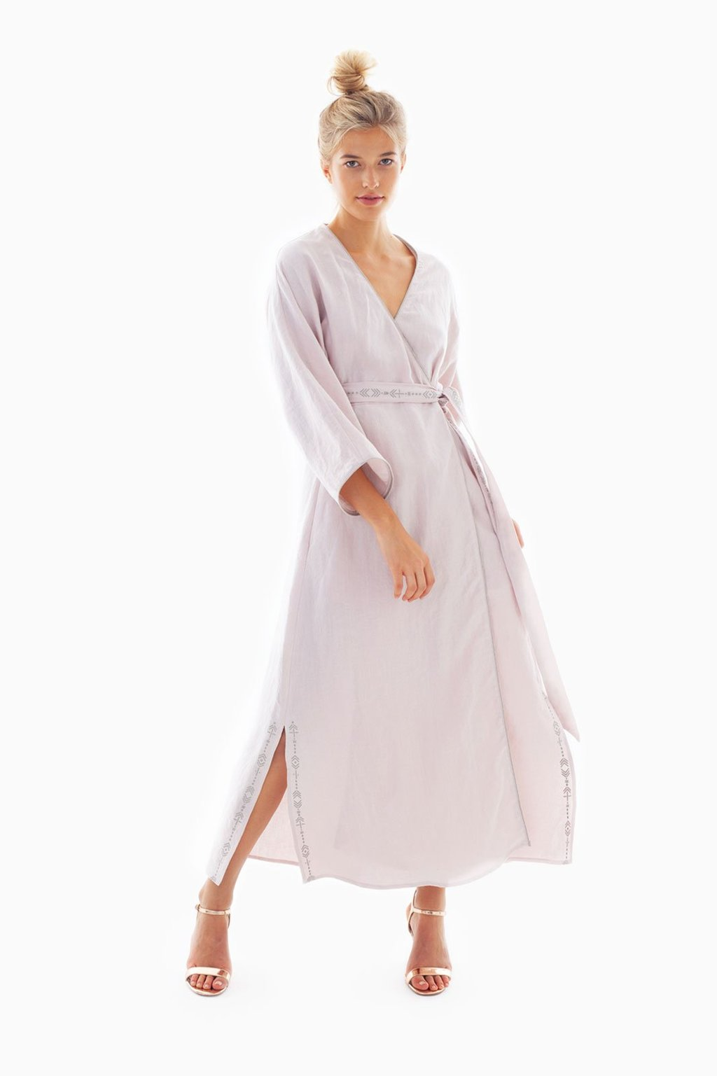 Sustainable dresses for summer 2019: The Michi Wrap Dress Rosé Brand: Arkitaip