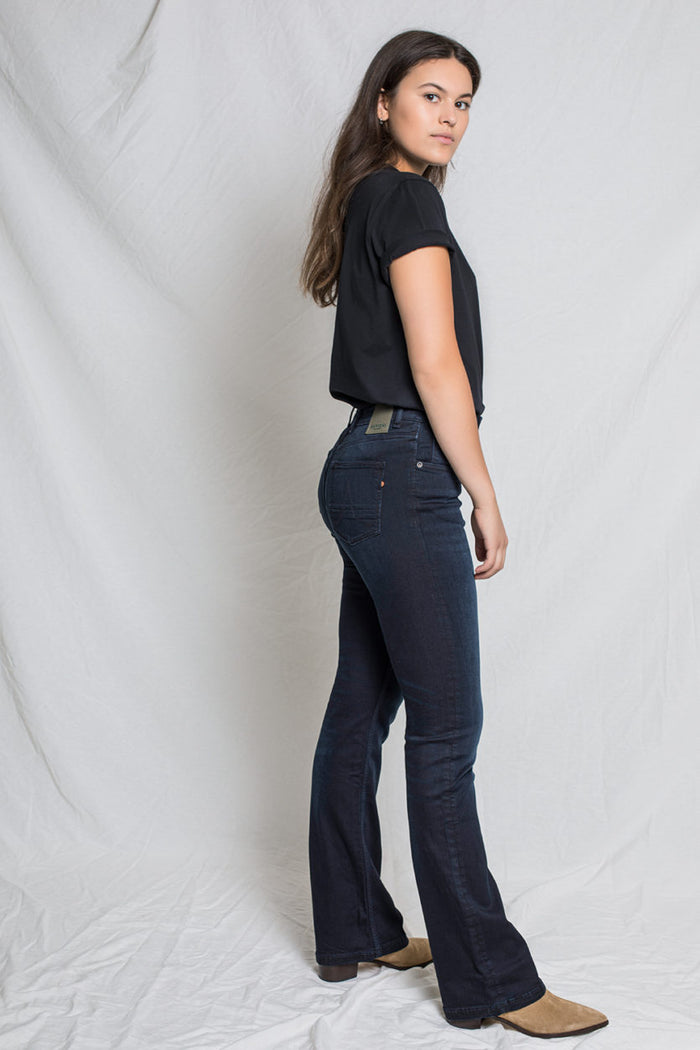Amy Bootcut Dark Faded
