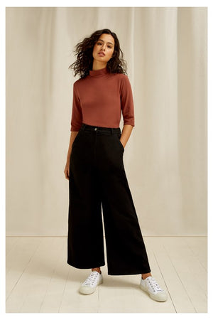 Cecily Turtleneck Top In Brown