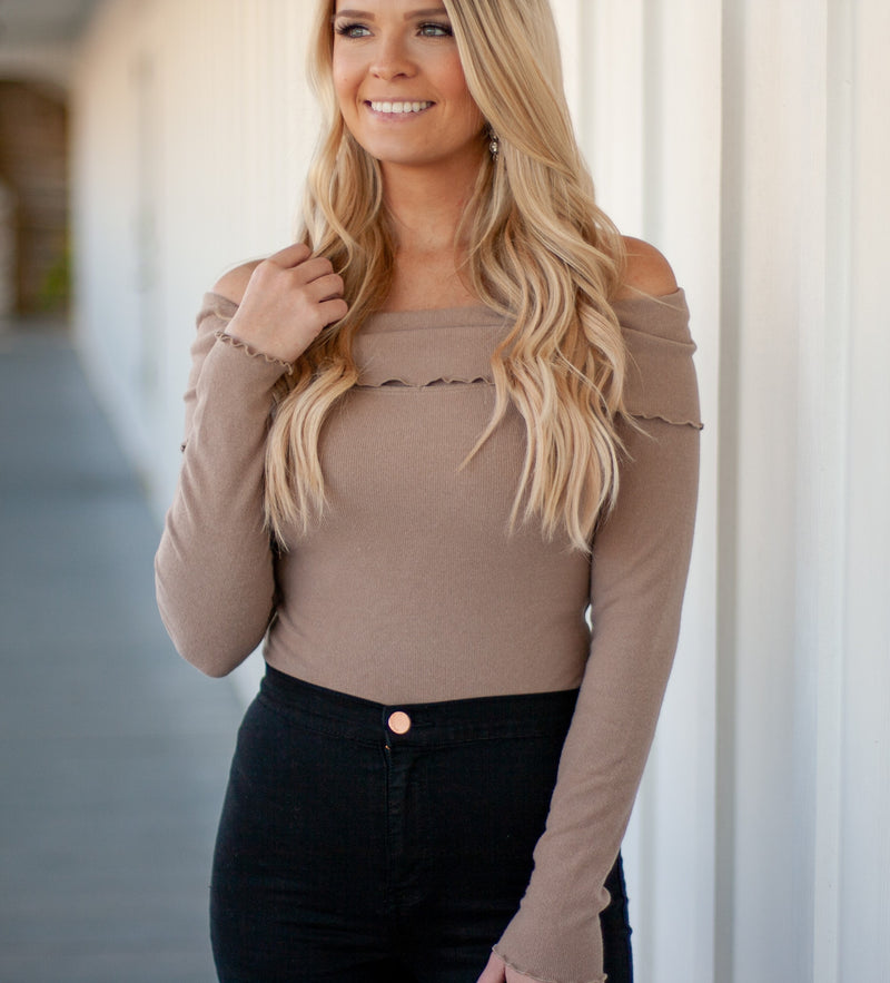 OFF SHOULDER BODYSUIT - MOCHA
