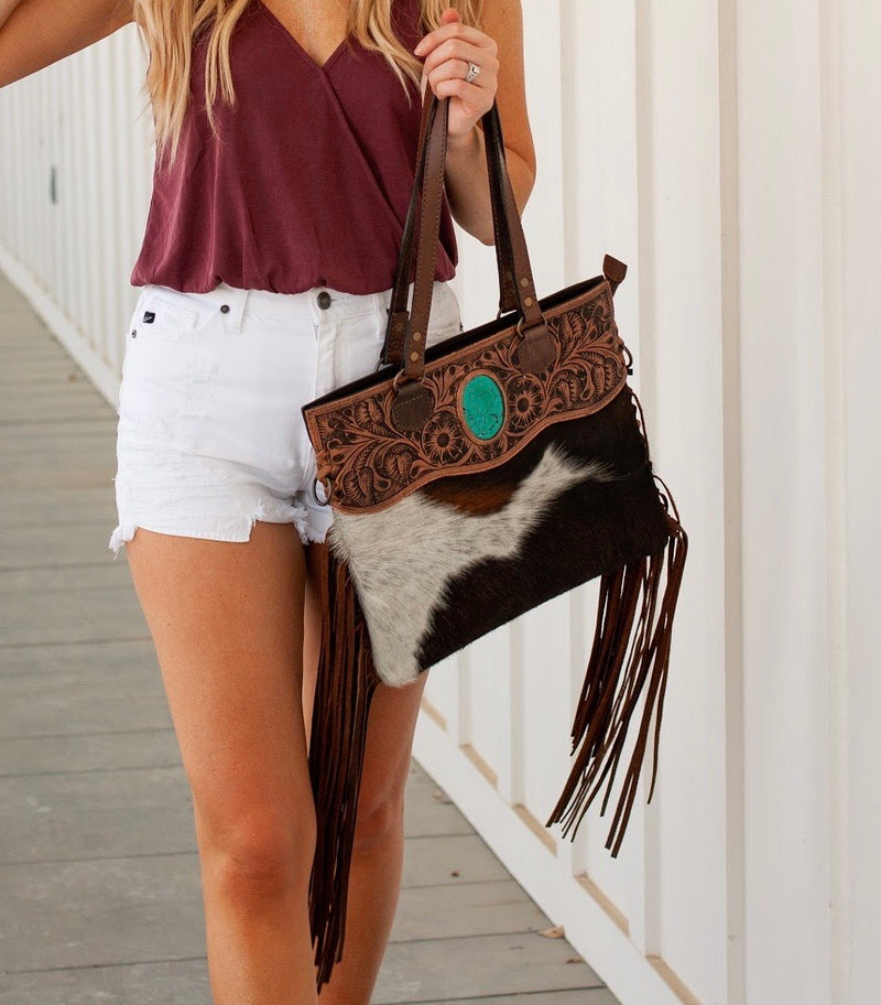 THE AMERICAN COWHIDE TOTE