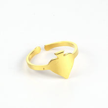 Load image into Gallery viewer, GUNGNEER Stainless Steel Simple Spade Resizable Ring Casino Gambler Jewelry Men Women