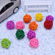 Load image into Gallery viewer, 2TRIDENTS Set of 10/20 Pcs Parrot Ball Toy Bite Colorful Chewing Toy Entertainment for Birds (Set of 20)
