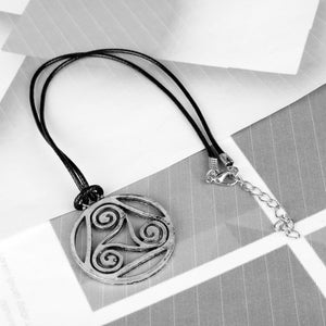 GUNGNEER Celtic Triskele Trinity Love Stainless Steel Pendant Necklace Jewelry for Men Women