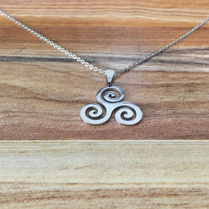 GUNGNEER Celtic Triskele Triskelion Stainless Steel Pendant Necklace Jewelry Accessories Gift