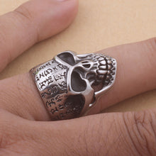 Load image into Gallery viewer, GUNGNEER Punk Smooth Middle Knuckle Paver Skull Necklace Rings Stainless Steel Jewelry Set