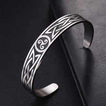 Load image into Gallery viewer, GUNGNEER Vintage Celtic Triskele Charm Bracelet Bangle Stainless Steel Jewelry Men Women