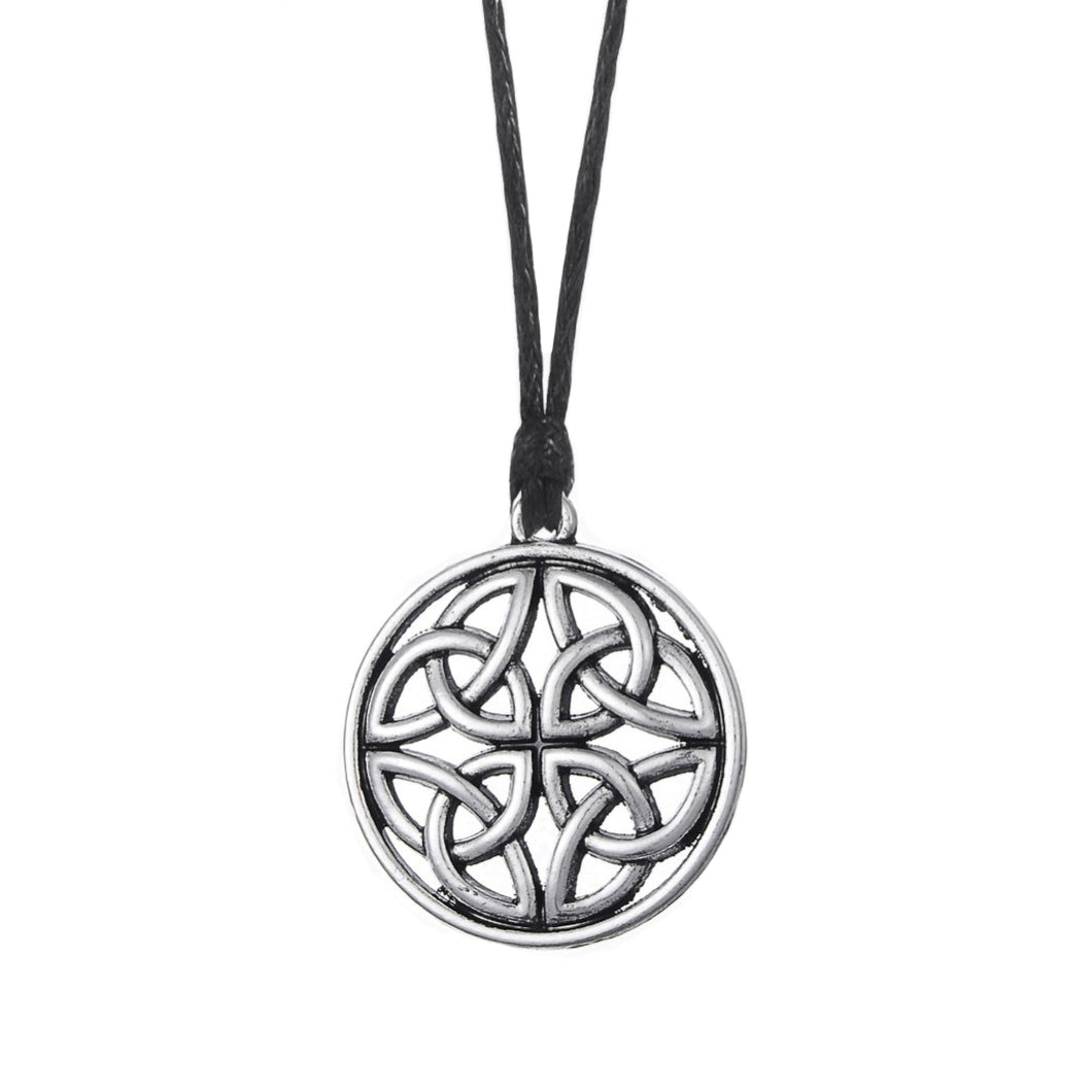 GUNGNEER Celtic Irish Knot Round Geometric Trinity Pendant Necklace Stainless Steel Jewelry