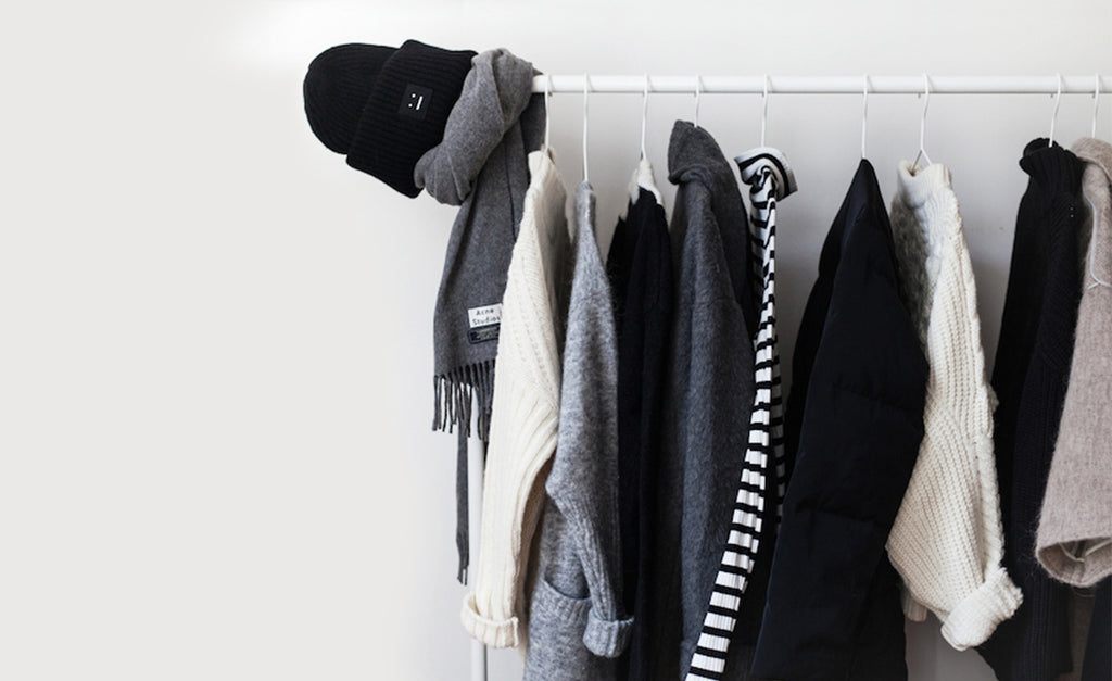 5 SIMPLE STEPS TO STORING YOUR WINTER WARDROBE