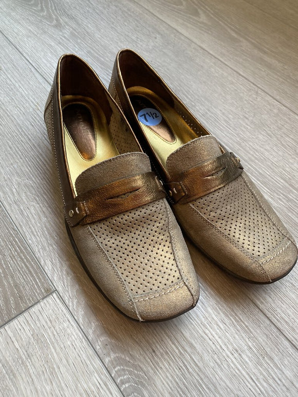 Amalfi Copper/Bronze Metallic Loafers size 7.5N