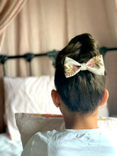 Load image into Gallery viewer, Baby girl bows