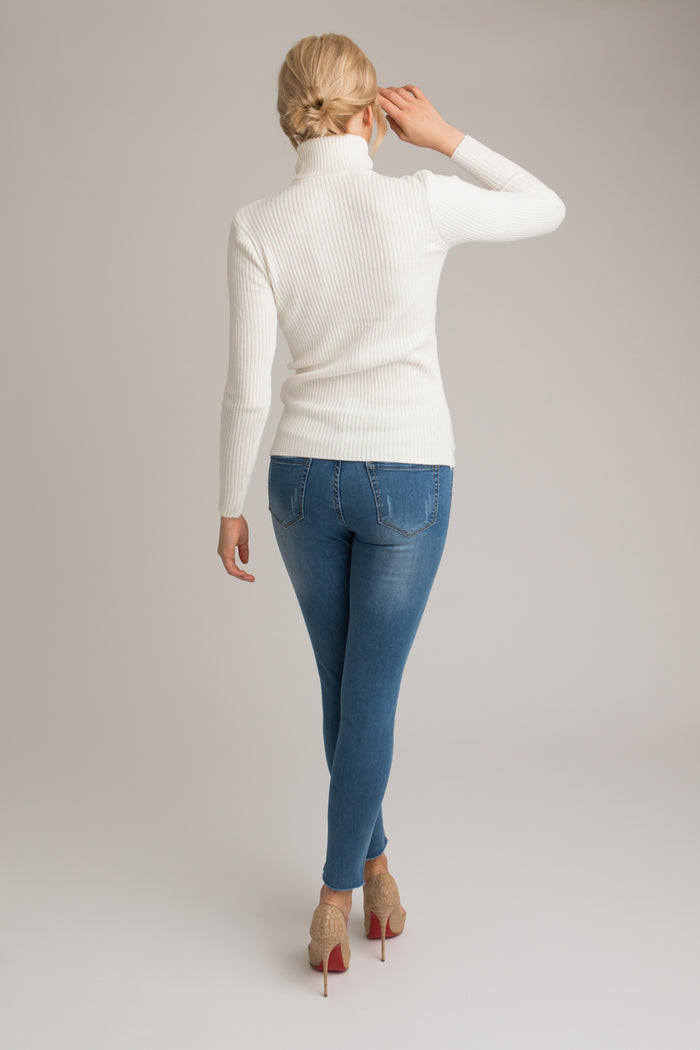 James Raw Hem Jeans in Blue