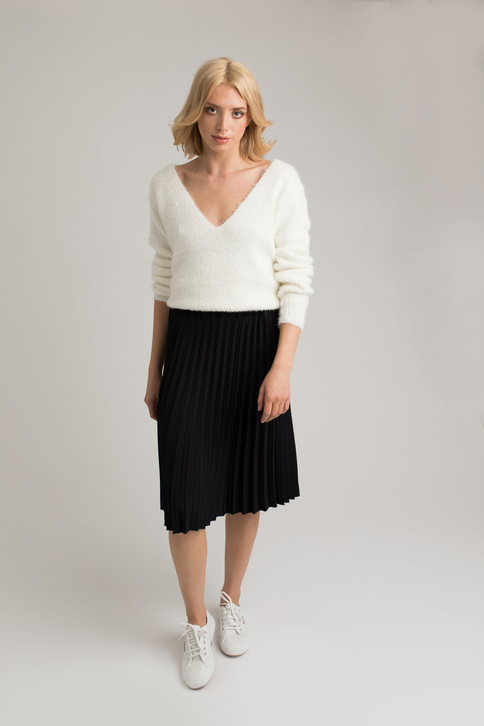 Olivia Black Pleated Skirt