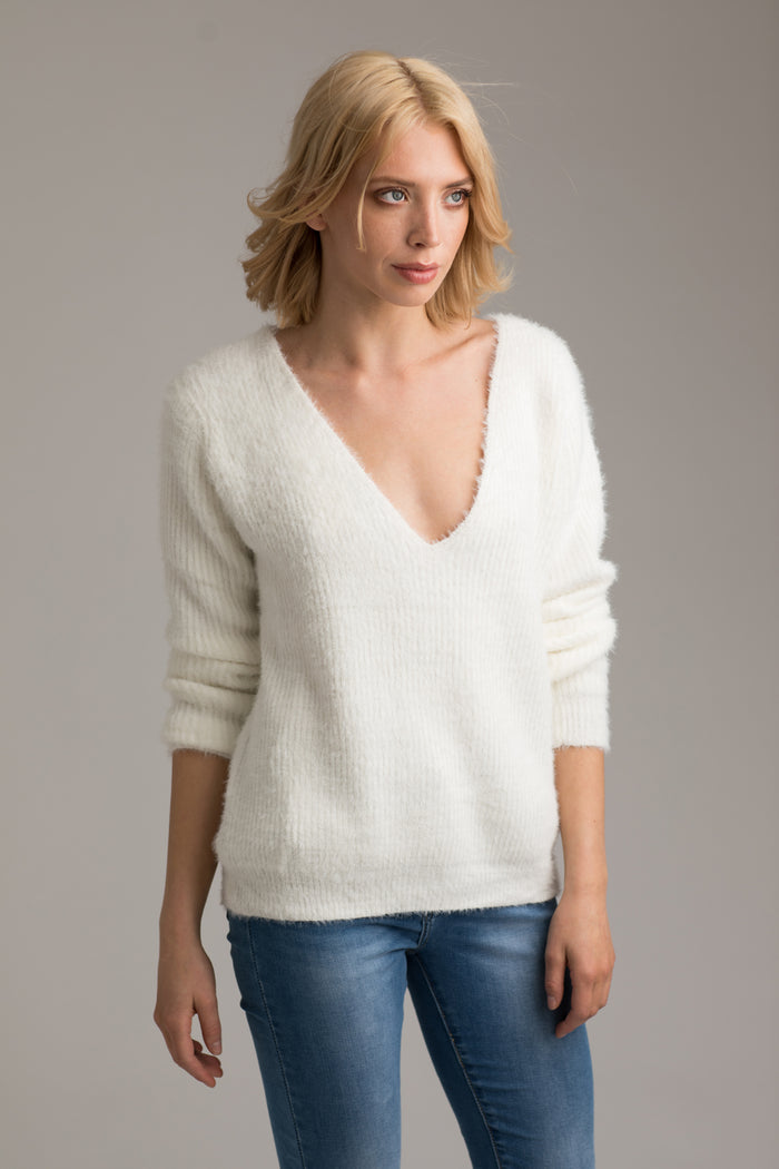 Mia Cream V-Neck Jumper