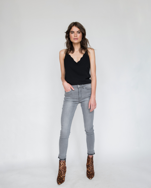 Anya Scalloped Edge Camisole Top in Black