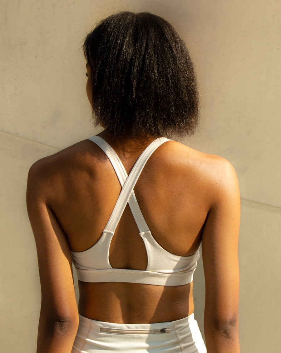 Overlay Back Solid Sports Bra - MASHELEO