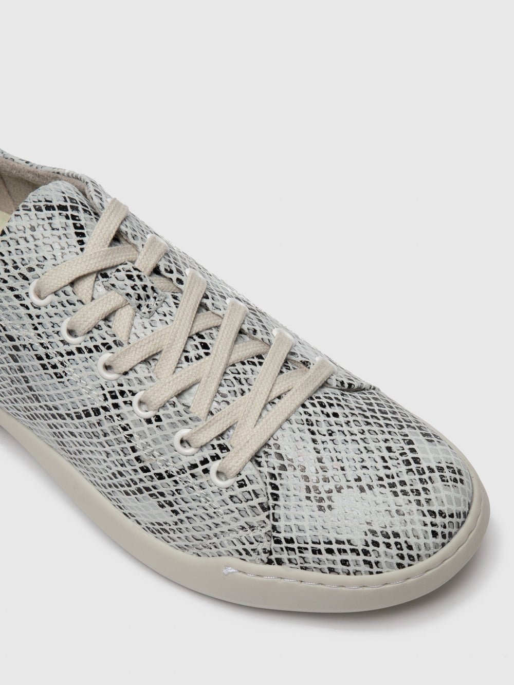 Lace-up Trainers BAUKII579SOF Offwhite