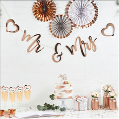 mr and mrs rose gold bunting with hearts