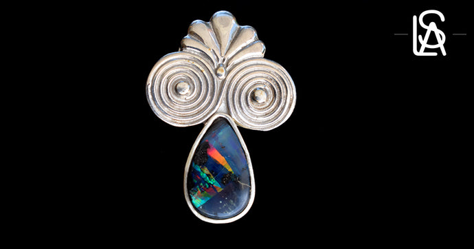 Pendant with natural black opal