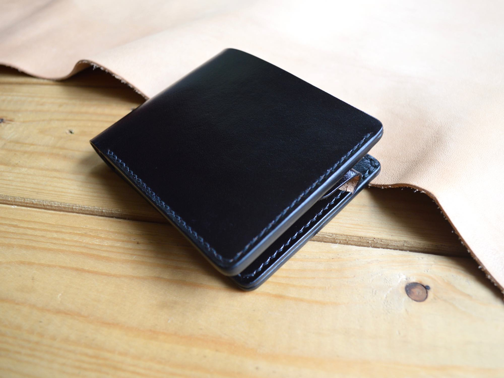 Full Grain Leather Wallet With Coin Pocket. Handmade with Black Italian vegetable tanned leather