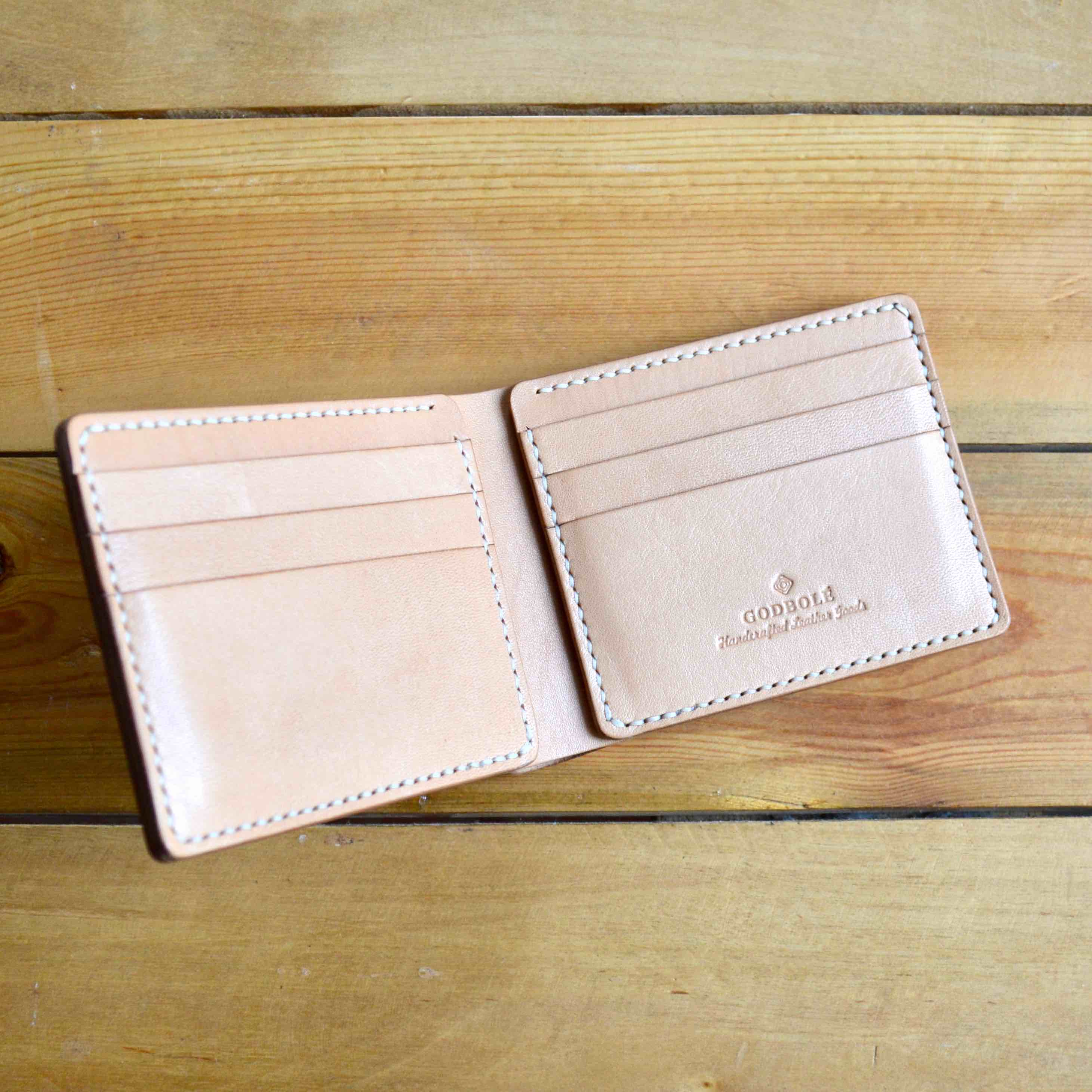 Classic Wallet - Natural Tan