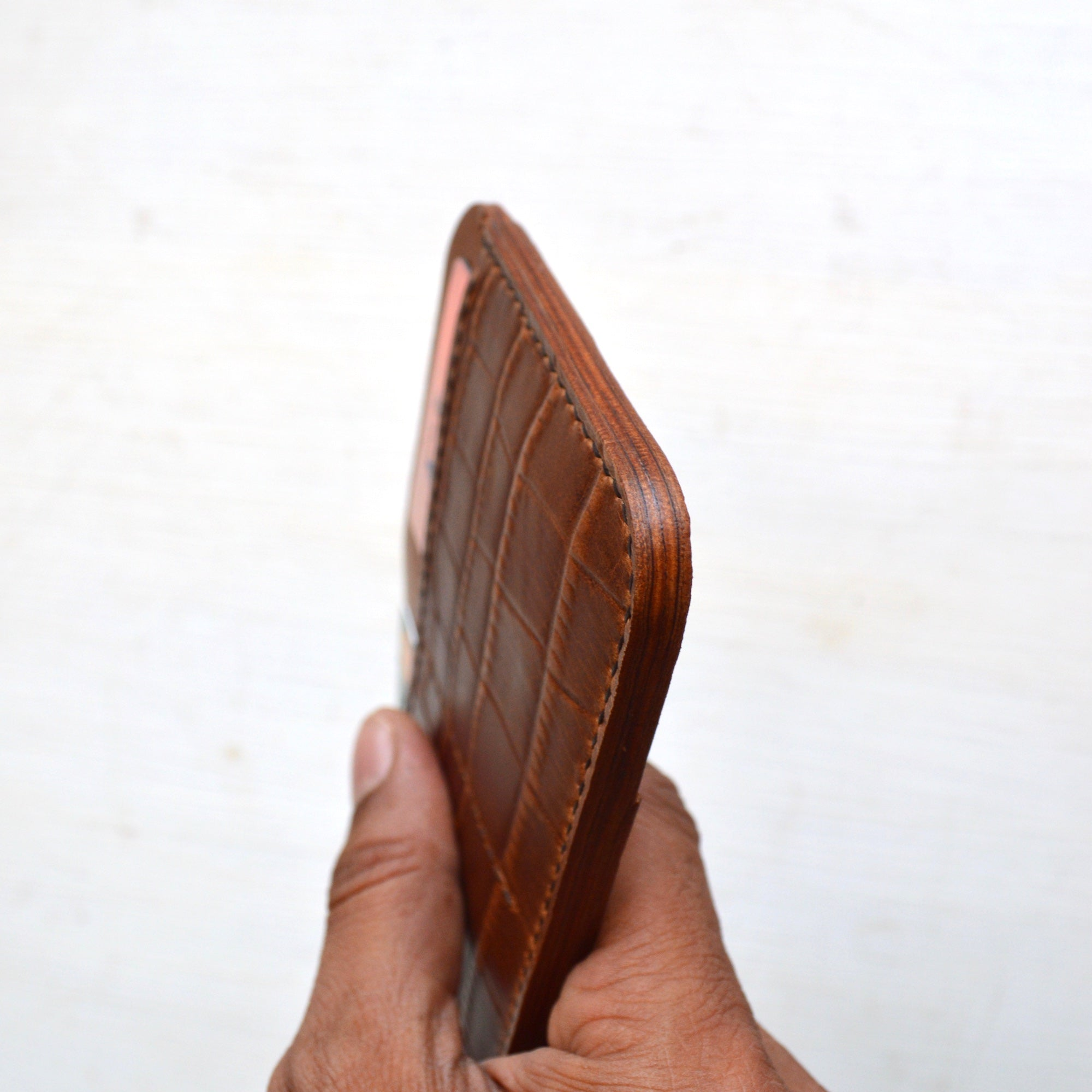 Minimalist Passport Wallet (Croc)