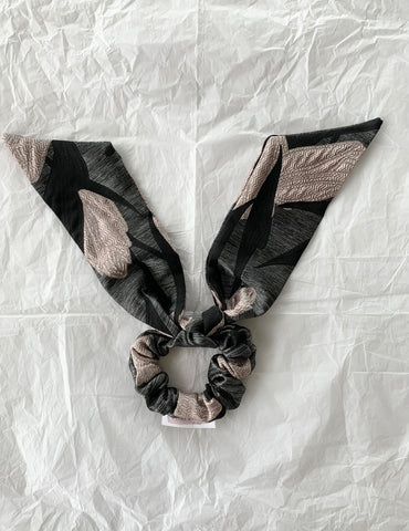 Feature Bow Tail Scrunchie - Textured Floral