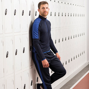 Finden Hales 1/4 Zip Mid-Layer with Contrast Pannelling. LV571