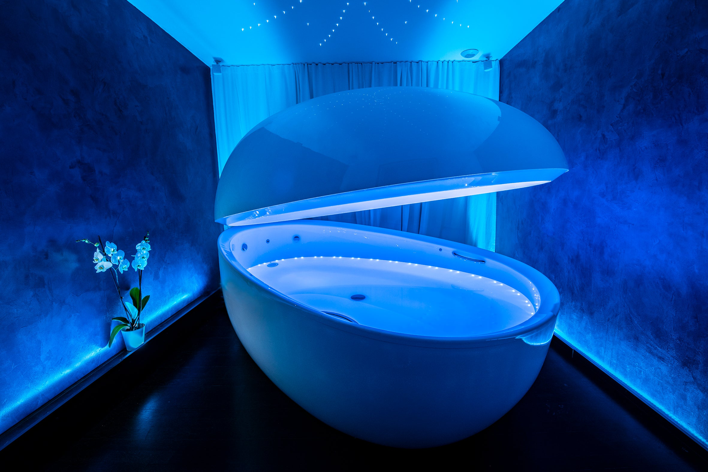 Floating pod Premium with Epsom salts - The deepest relaxation you'll ever experience